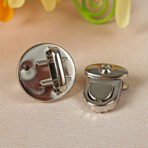 Застежка для хлястика круглая, d=2.5 см, Цвет: Серебро