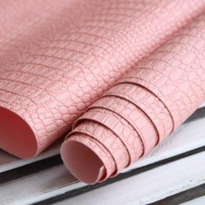 Переплетный кожзам, матовый с тиснением КРОКОДИЛ, цвет: Пудрово-розовый