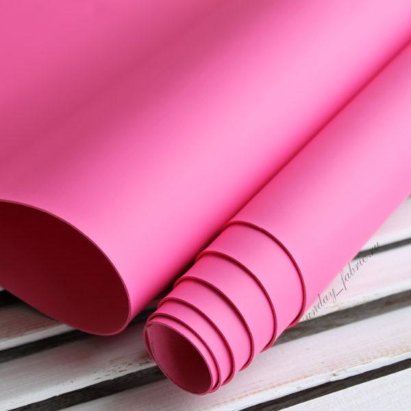 Переплетный кожзам, матовый без текстуры, цвет: Ярко-розовый (Италия)